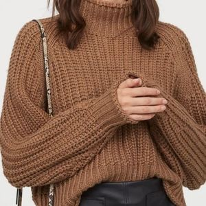 Cropped chunky knit turtleneck sweater